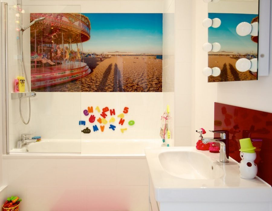 Image: Quirky Beach Themed Bathroom