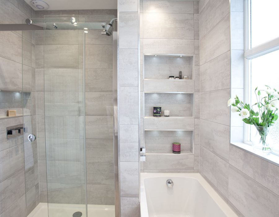 Image: Soft grey family bathroom with recessing