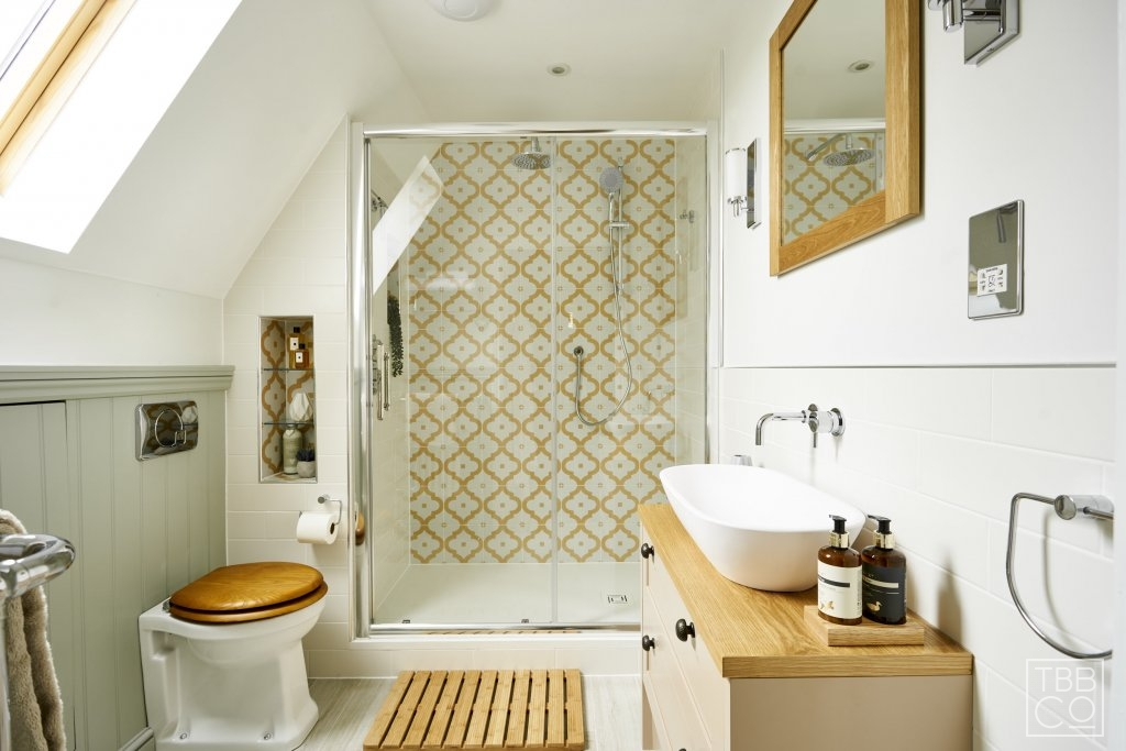 Design for Small Bathrooms: 5 Ways to improve your space ...